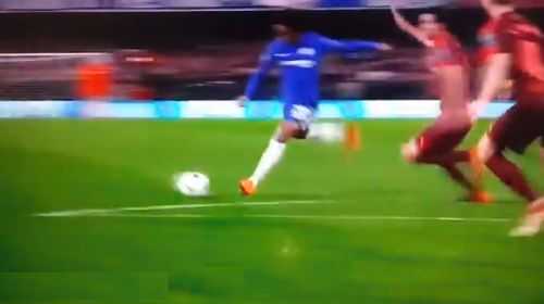 [Vídeo] Repetición Gol de Willian – Chelsea vs Barcelona 1-0 Champions League 2017-18