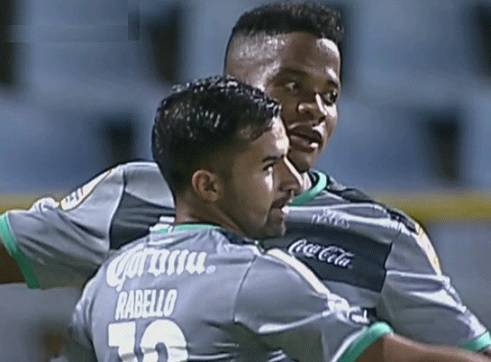 W Connection 0-1 Santos