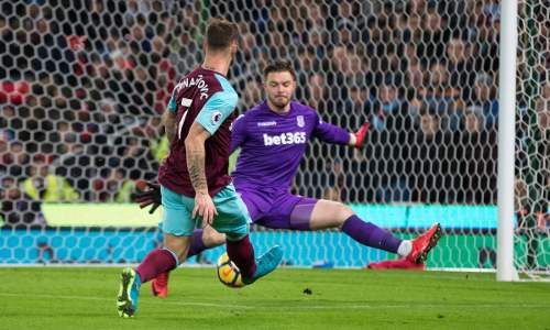 West Ham vence 3-0 Stoke City y sale de zona de descenso en la Premier League 2017-18